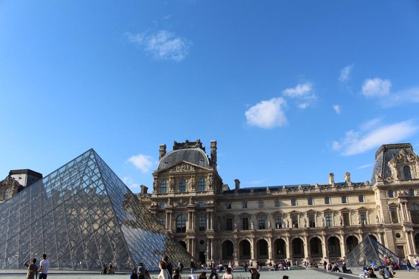 30 ans des Pyramides du Louvre : retour sur un projetfou
